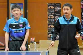 张本智和与他的父亲兼教练张宇
