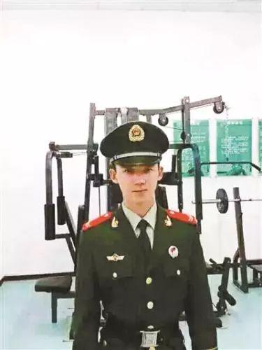 烈士庞题生前照片。图片来源:北京青年报