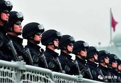 2010年11月2日,中国海军第七批护航编队起航,蛟龙突击队队员的身影也在其中