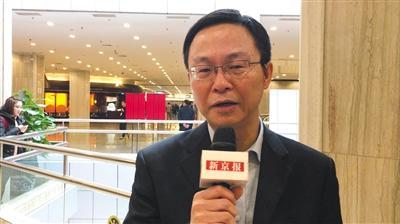 市政协委员张鸿声接受记者采访。新京报记者 王贵彬 摄