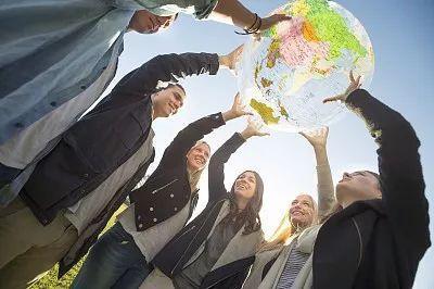 ▲中国新一代青年更具全球化头脑。(视觉中国)