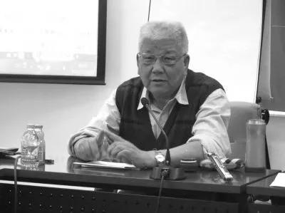 王学泰生前讲座照片。