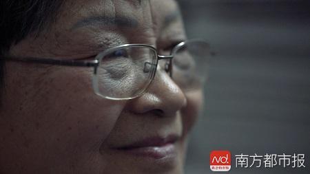 丈夫患癌治疗欠下的债,退休了的袁祥珍选择面对。
