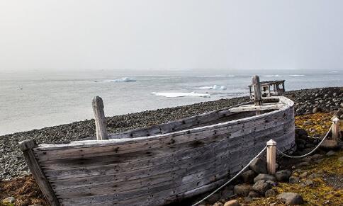 """日海上保安厅在日本北部一座无人岛上发现""""幽灵船"""""""