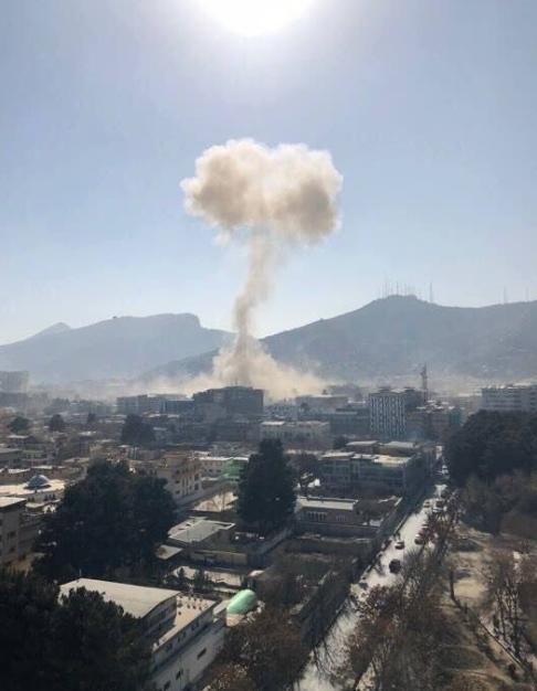 喀布尔发生自杀式爆炸袭击 塔利班宣称对