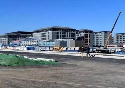 已基本建成的北京城市副中心行政办公区一期工程现场