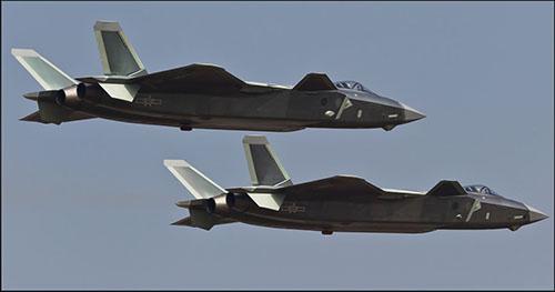 中国歼-20战机(美国雅虎新闻网站)