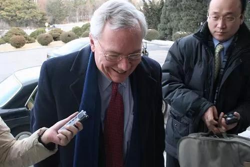 △帕斯科在朝鲜平壤接受记者采访