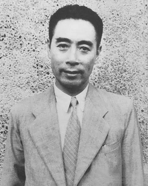 1946年11月,毛泽东、周恩来、朱德在一起。