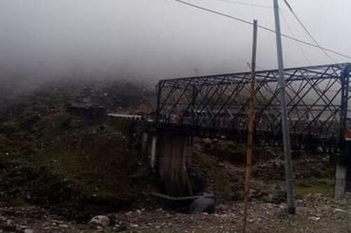 """印度本周在所谓的""""阿鲁纳恰尔邦""""连修了两座战略桥梁。(图源:印媒)"""