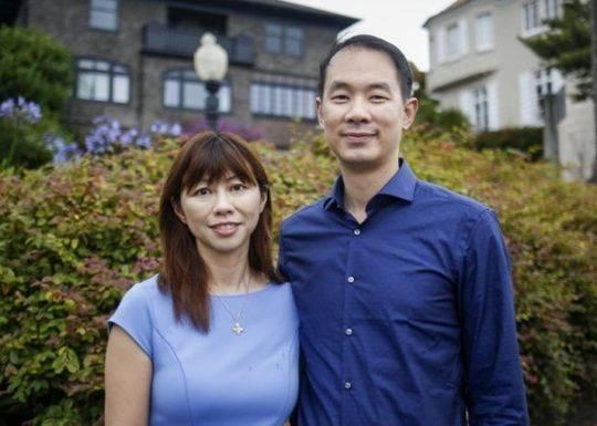 华裔夫妇Michael Cheng(右)和Tina Lam(左)。