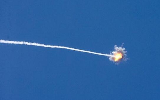 8日,哈马斯连发两枚火箭袭击以色列,以方随后进行报复。(图片来源:以色列时报)