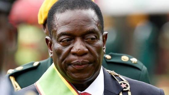 图为津巴布韦新总统姆南加古瓦