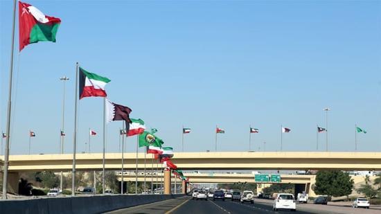 图为即将召开海合会峰会的科威特首都科威特城