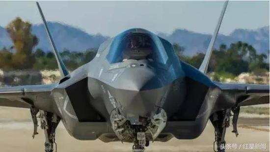 """▲由洛克希德·马丁公司制造的F-35""""闪电Ⅱ""""战斗机 图据网络"""