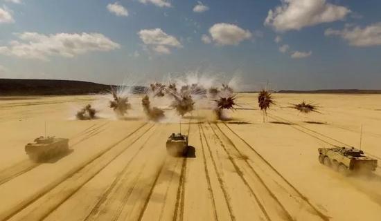 △我驻吉布提保障基地组织火炮实弹射击训练