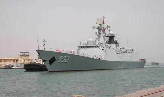 △中国远航访问编队荆州舰驶入吉布提港
