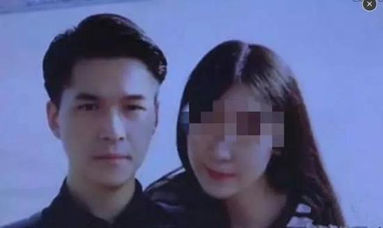 朱晓东与杨俪萍的合影。图片来源于网络