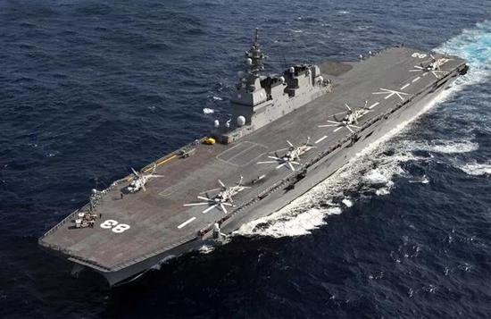 近期,自卫队和美国航母频繁举行共同训练,日本防卫省相关人员称: