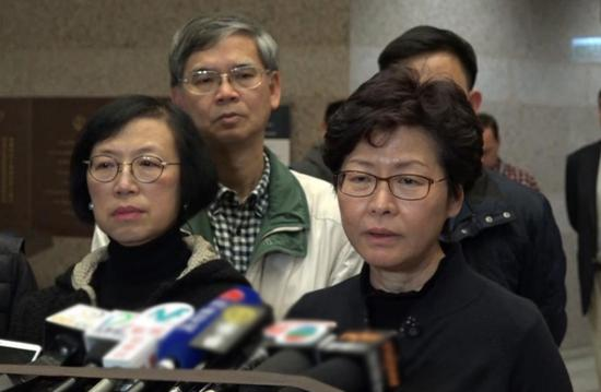 林郑月娥赶赴医院慰问伤者。