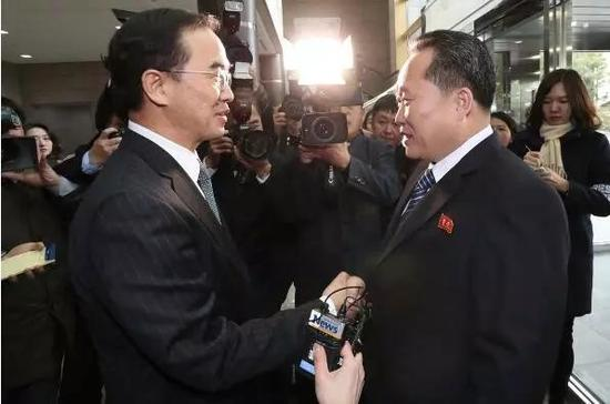 根据上周五的一项民意调查,超过半数的韩国人支持帮助支付朝鲜代表团的开支。