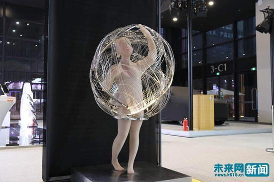 """第四届世界互联网大会""""互联网之光""""博览会展示的""""网络茧儿""""。未来网记者 杨佩颖摄。"""