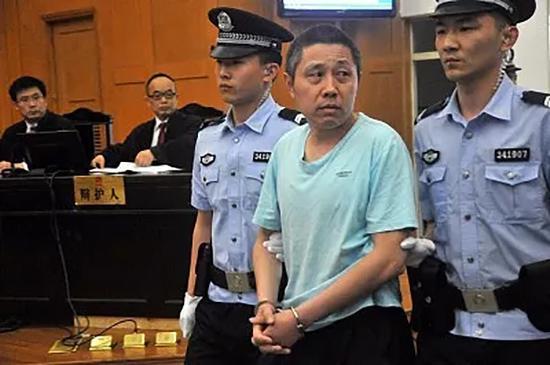 在于英生案再审宣告无罪三个月后,真正的犯罪嫌疑人武钦元被抓获归案。
