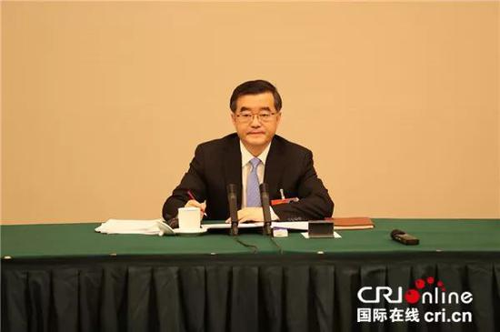 全国人大代表、黑龙江省委书记张庆伟