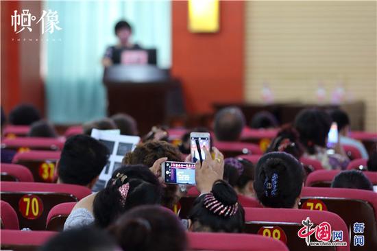 新疆克州当地百名医生来到克州人民医院到场天下儿科医师培训。中国网记者 陈维松 摄