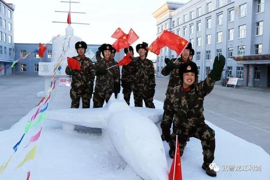 """澳门银河游戏网址:小伙伴们燥起来!兵哥哥带你走进北极军营""""冰雪大世界"""""""