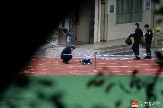 ag网上捕鱼:深圳初三学生从学校6楼坠亡_警方初步认定自杀