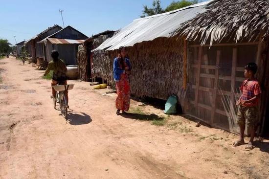 ▲柬南部茶胶省普萨村,很多海外中介来此寻找代孕母亲  图据联合早报