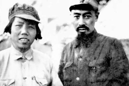 1938年,他们在武汉会见美国著名记者和作家、《西行漫记》作者埃德加・斯诺。