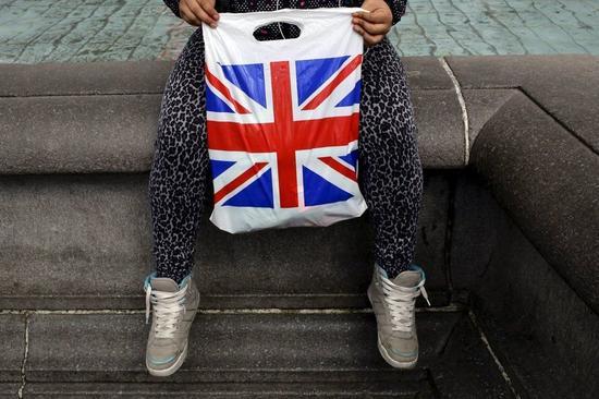 欧盟提议对塑料袋征税 以弥补英国脱欧后