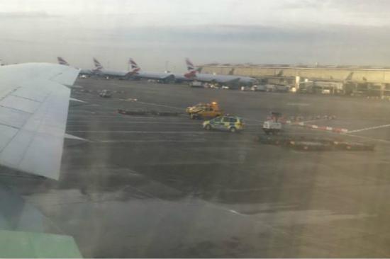 伦敦希思罗机场发生严重车祸 致1死1伤