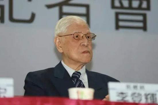"""李登辉陈水扁联手推""""独立公投"""" 施压蔡英文"""