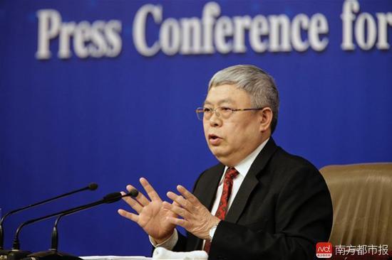 国务院扶贫办主任刘永富。