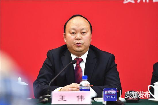 全国人大代表、贵州兴伟集团董事长王伟认为,企业要积极参与乡村振兴大业