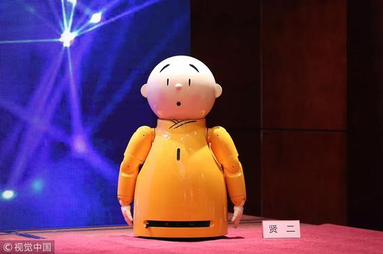 """龙泉寺机器僧""""贤二""""。图片来自视觉中国"""