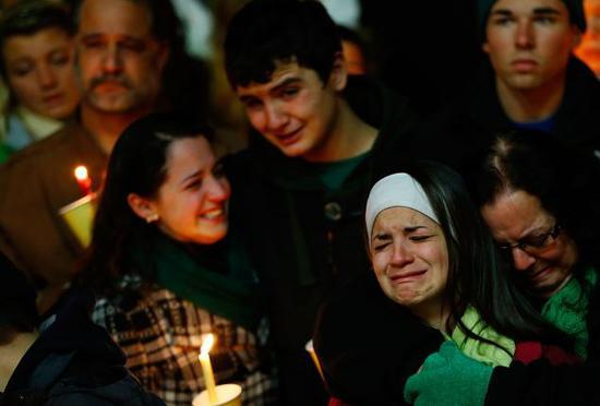 美校园枪击案受害者被谣传为演员 悲剧成党争工