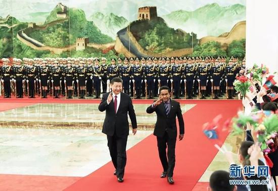▲12月7日,国家主席习近平在北京人民大礼堂同来华举行国是会见的马尔代夫总统亚明举行谈判。
