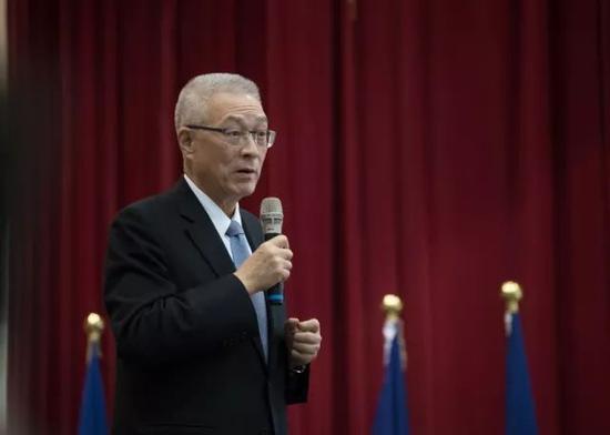 由于百姓党主席吴敦义为台湾地域卸任副率领人