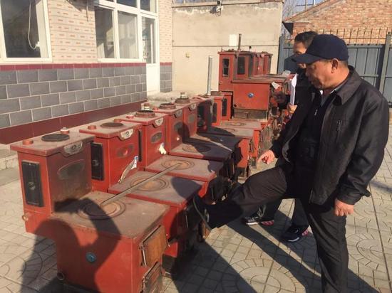△ 天津拆下来的燃煤炉
