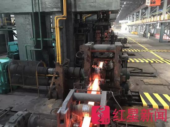 ▲华西钢厂的生产线图片来源:红星新闻