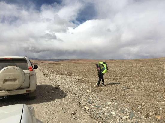 10.25距离双湖三四十公里处自驾游客拍图