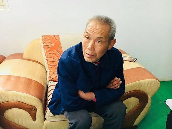 张扣扣的父亲张福如(刘向南 摄)