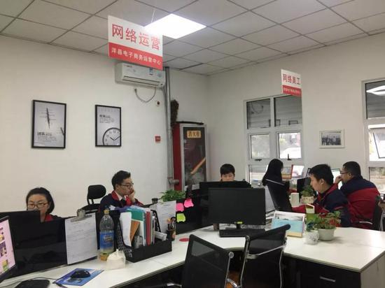 国事纵贯车 冯玲玲 摄。