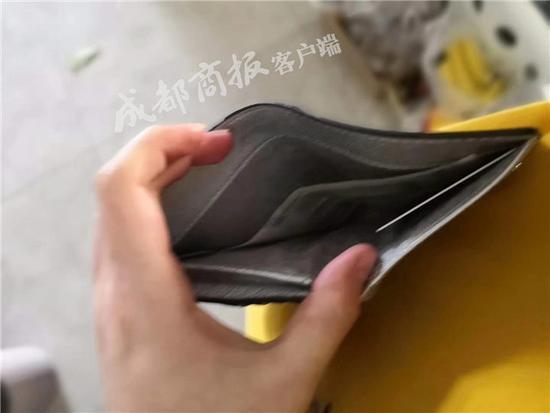 """118心水论坛""""不识货""""小偷盗走3千现金 留下LV等奢侈品牌包"""