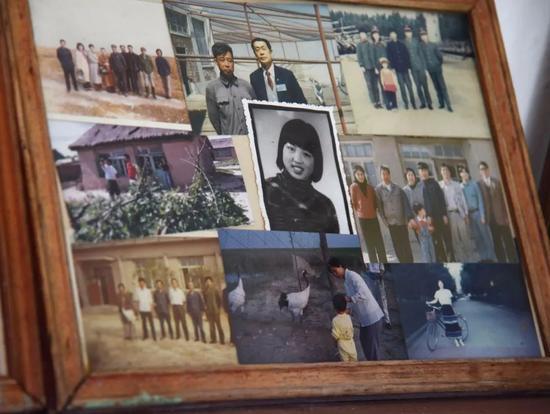 这是徐秀娟烈士的旧照(中)(8月17日摄)。新华社记者 梁冬 摄