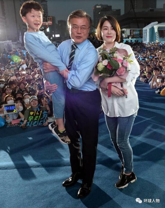 父亲是韩国总统 她却在家相夫教子安心做家庭主